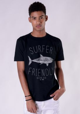 Camiseta-Preta-Shark-Surfer-Friendly