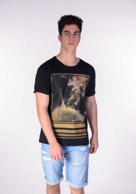 Camiseta-Preta-Astronauta-Skatista