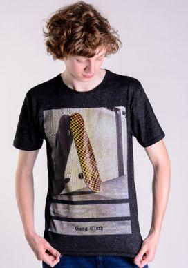 Camiseta-Moline-Preta-SK8-Quadriculado