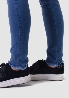 Calca-Jeans-Cigarrete-Cintura-Alta-Barra-Desfiada