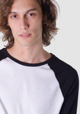 Camiseta-Branca-Basica-Com-Mangas-Raglan
