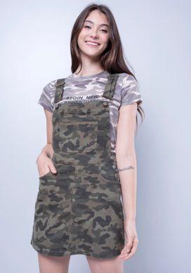 Vestido-Jardineira-Camuflada