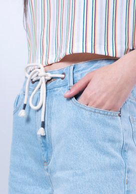 Short-Mom-Jeans-Cintura-Alta