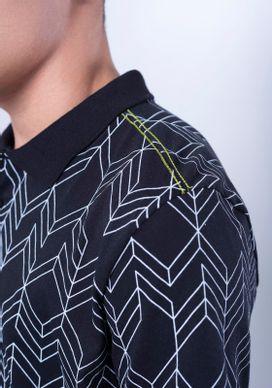 Polo-Manga-Curta-Preta-Geometrica