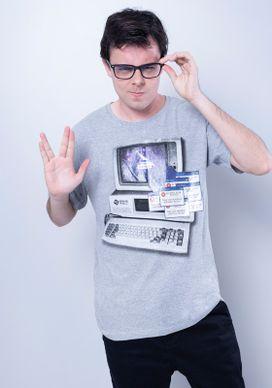 Camiseta-Manga-Curta-Comic-Computador-Error-Cinza