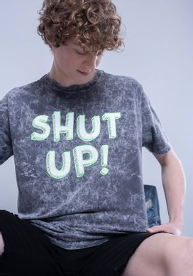 Camiseta-Estampada-Manga-Curta-Neon-Shut-Up