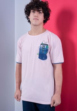 Camiseta-Rosa-Radio-Tape-Bolso