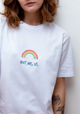 Camiseta-Arco-iris-Not-Me-Us-Branca-Gang