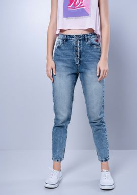 Calca-Mom-Jeans-Botoes-Bordado-Beijo-Desfiado-Azul-34
