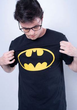 Camiseta-Manga-Curta-Preta-Batman-Preto-P