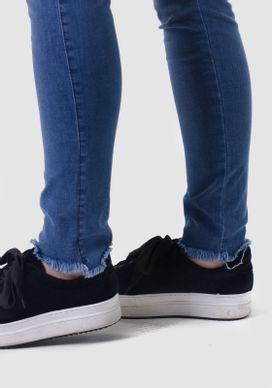 Calca-Jeans-Cigarrete-Cintura-Alta-Barra-Desfiada-Jeans-Diferenciada-32
