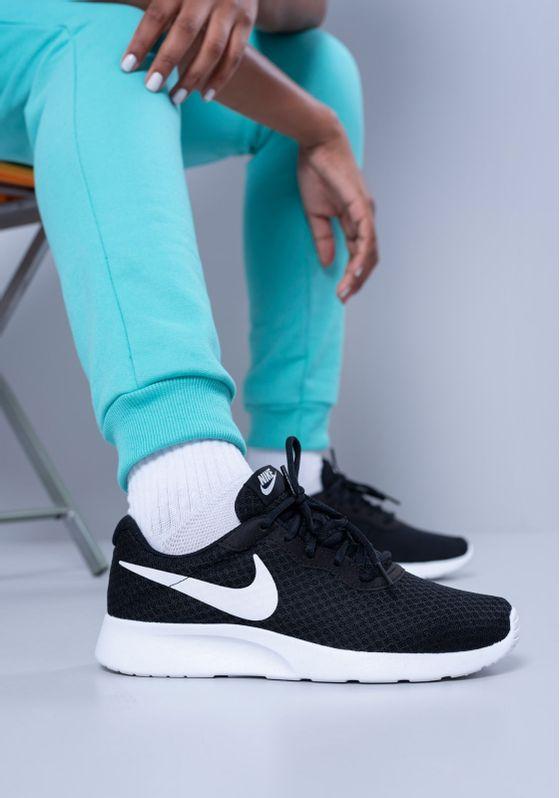 Tenis-Nike-Tanjun-Preto-Feminino-Preto-38