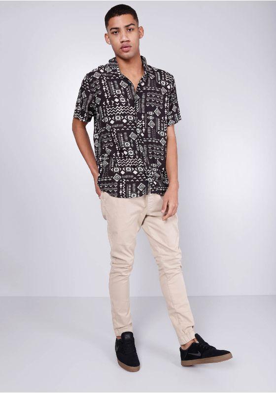 Camisa-Estampada-Manga-Curta-Viscose-Etnico-Preto-Gang-Masculina-Preto-PP