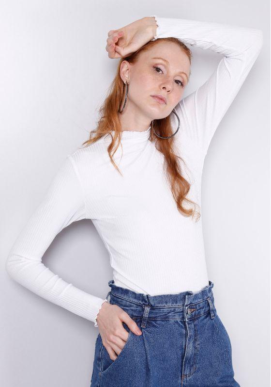 37520220-blusa-feminina-gola-alta-branca-2